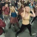 Big Bang Theory does Flashdance.