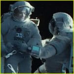 Gravity (2013), a film review by Mark R. Leeper.