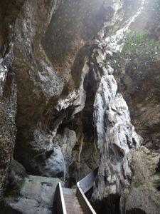 batu caves Flores