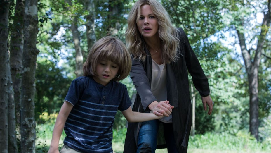 the_disappointments_room_-_kate_beckinsale_-_still_1_-_h_-_2016_