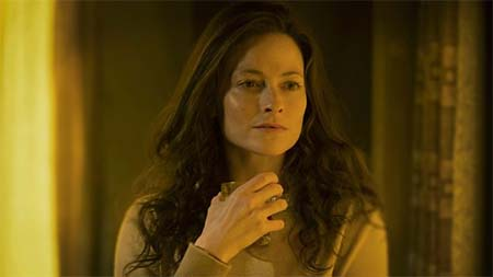 Lara Pulver interviewed about playing Katrynia.