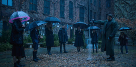 The Umbrella Academy (Cha Cha trailer).