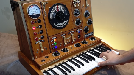 Steampunk music synthesiser (rock me sideways).