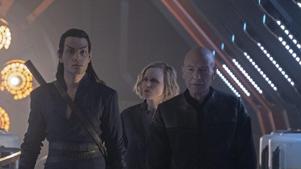 Star Trek Picard gets rolled for second season (TV news)