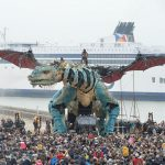 Dragon storms France (crazy Mecha news).