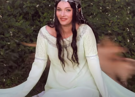 Alyson Tabbitha's cosplay: Arwen in Lord Of The Rings (video tutorial).
