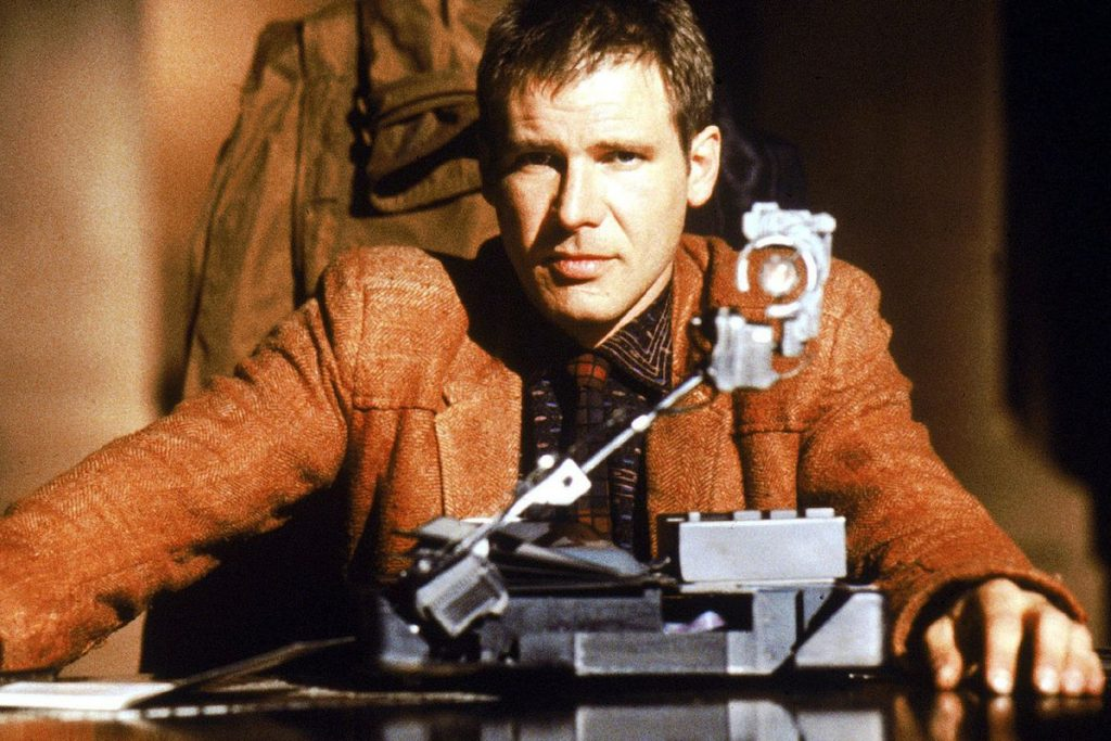 Blade Runner: was Deckard a replicant or not? (video).