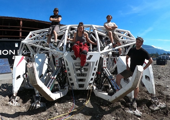 Mech Racers: the real-life exo-suit (weird news).