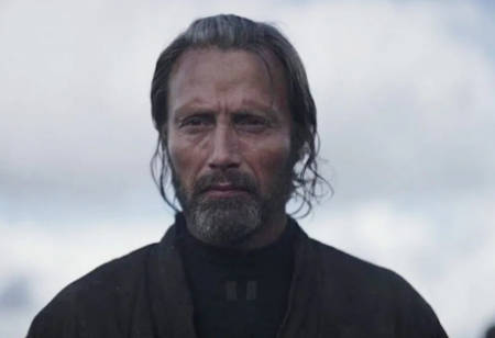 Johnny Depp ditched from 3rd Fantastic Beasts movie, replaced by Mads Mikkelsen (film news).