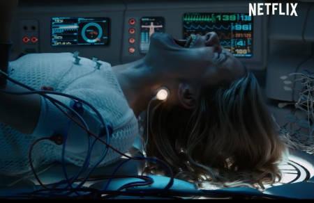 Oxygen (a Netflix scifi film review by Mark Kermode: trailer).
